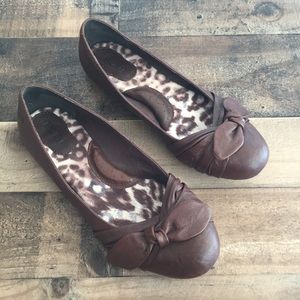 Born Molly Bow Flats Brown Leather Womens Size 9.5
